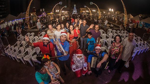 Sons e Letras Caravana de Natal traz música e poesia para praças de cidades de Goiás