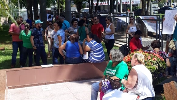 Servidores públicos realizam manifestação na sede do MP