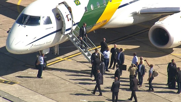 Bolsonaro chega a SP para retirada de bolsa de colostomia