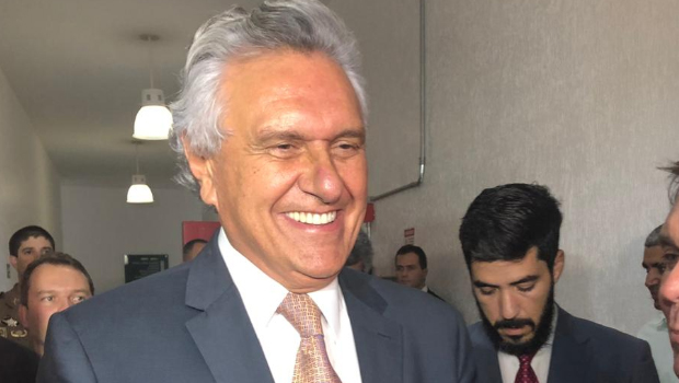 Governador marca presença na Alego e explica aos deputados pacote de austeridade