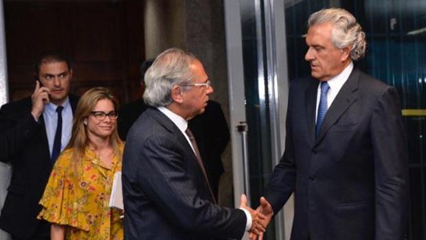"""""""Temos a obrigação de ajudar a tirar Goiás da situação de dificuldade"""", diz Paulo Guedes"""
