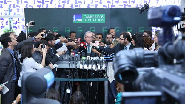 23 jornalistas estrangeiros que cobrem o Brasil para seguir no Twitter