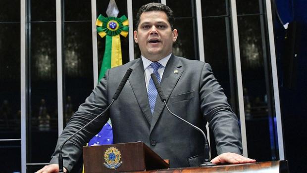 """""""Se no lugar de Moro estivesse um deputado ou senador ele já teria sido cassado e preso"""", diz Alcolumbre"""