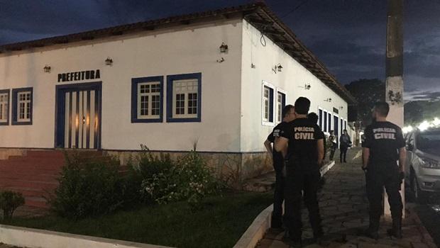 Servidores da prefeitura de Pirenópolis são presos em operação da Polícia Civil