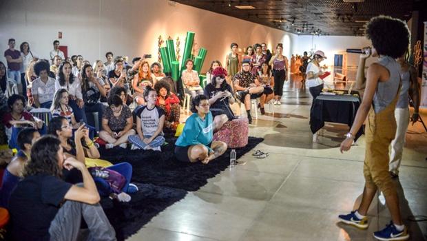 c26cda6fbc9f1 Ação em Goiânia exalta a Leitura como ato de resistência - Jornal Opção