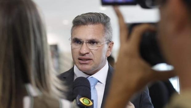 Jornal aponta gravação de negociação de cargos entre membros do PSL