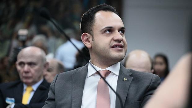 Salim defende celeridade nas obras de presídios no Entorno