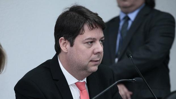 CCJ aprova projeto que suspende validade de concursos públicos em Goiás