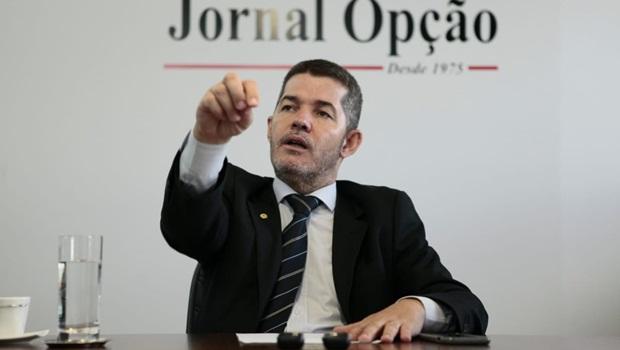 Delegado Waldir nega apoio do PSL a Felype Róbson e diz que nome do partido 'surpreenderá'