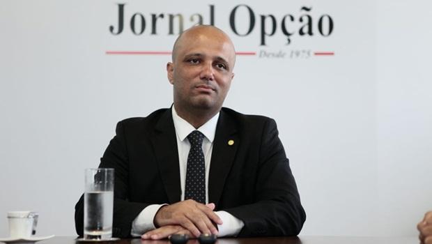 Vitor Hugo defende proibição de réus como candidatos para presidência da Câmara