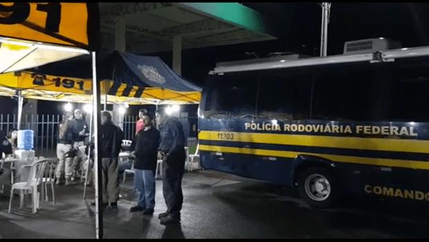 Blitz na BR-153, em Anápolis, prende 15 motoristas por embriaguez