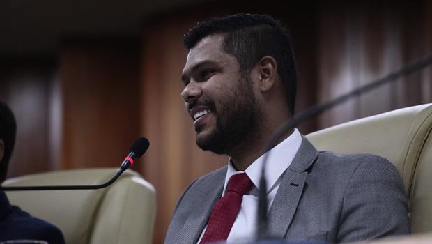 Romário Policarpo pode ser vice de Elias Vaz na disputa pela Prefeitura de Goiânia