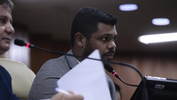 """""""Prefeitura de Goiânia precisa assumir erros, mas nada que justifique impeachment"""", diz Romário Policarpo"""