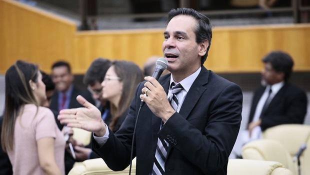 """""""Sou contra o impeachment, mas acho que não podemos cercear a fala de um cidadão"""", diz Wellington Peixoto"""