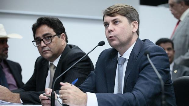 Líder do governo destaca que venda de ações da Saneago garante controle de 51% pelo Estado