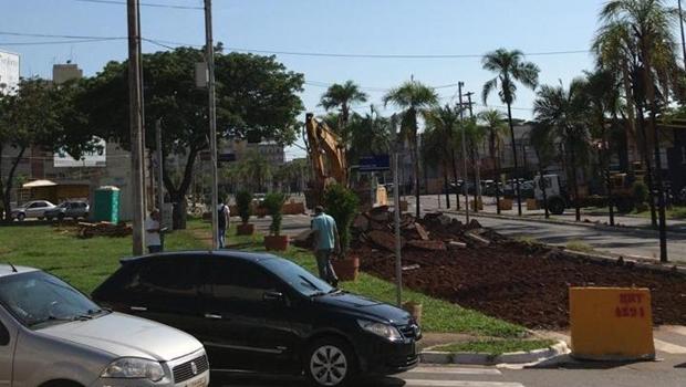 Obras da trincheira  na Rua 90 com Avenida 136 | Foto: Jornal Opção