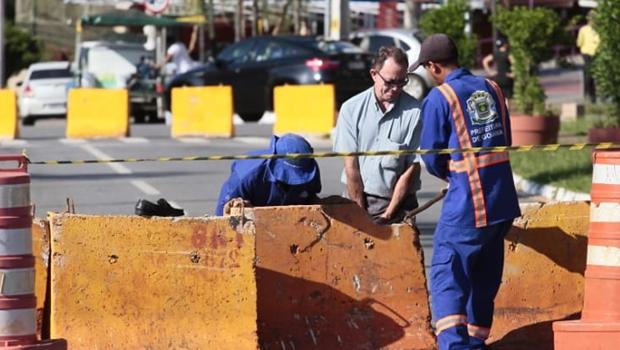 Trincheira no cruzamento da Rua 90 com Avenida 136 divide opiniões de especialistas - Jornal Opção