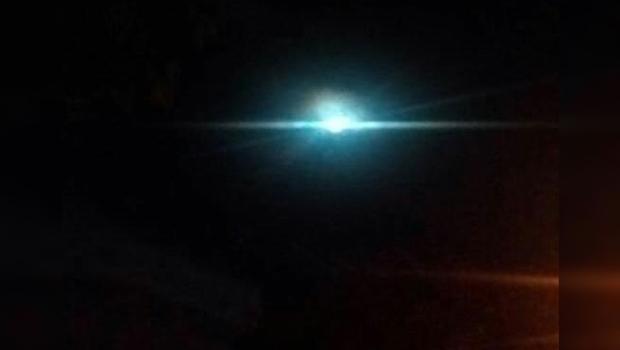 Astrônomo diz que clarão no céu pode ser lixo espacial