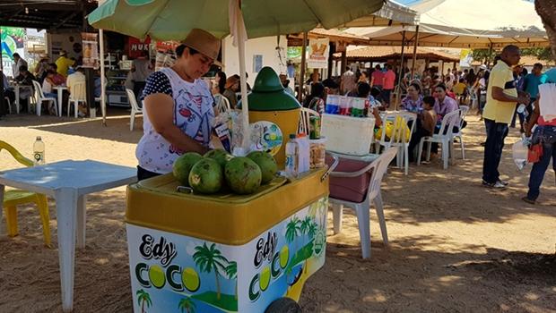 Vendedor ambulante na Feira Agrotins, em Palmas, capital do Tocantins. Jornal Opção