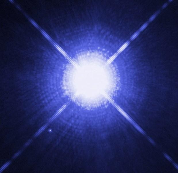 Imagem feita pelo Telescópio Hubble de Sirius A e Sirius B