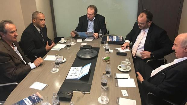Governador Carlesse busca em São Paulo investimentos em logística, energia solar e indústrias