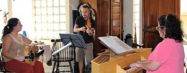 Uccelli toca Música Medieval em Goiânia