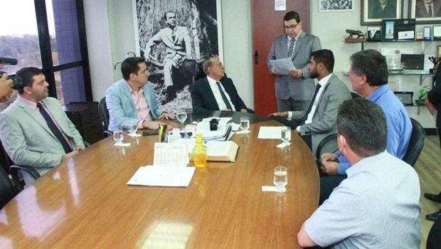 Câmara de Goiânia recebe projeto de revisão da data-base dos servidores municipais