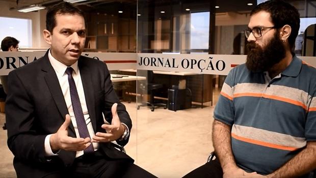 """""""São três crimes de improbidade administrativa cometidos por Iris Rezende"""", diz autor de pedido de impeachment"""