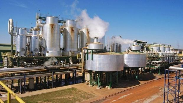 Por que o preço do etanol cai nas usinas mas demora a cair para o consumidor?