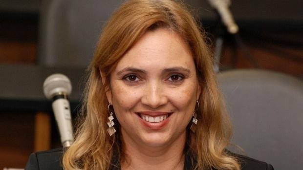 Renato de Castro admite apoiar Mara Naves para prefeita de Goianésia