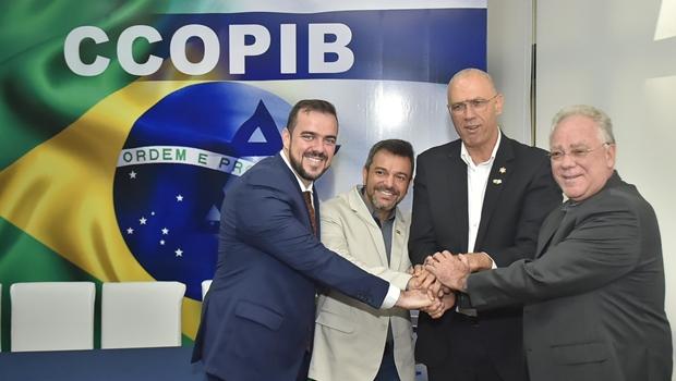 Mendanha é empossado presidente honorário da Câmara de Cooperação Israel-Brasil Central
