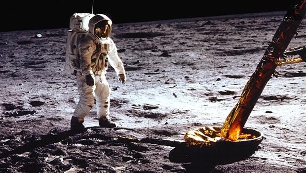 Há 50 anos, o maior feito da história da humanidade