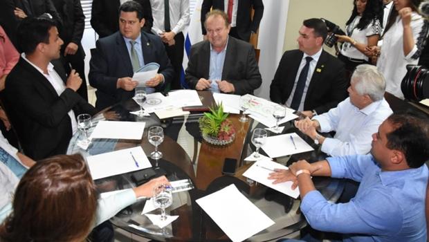 Presidente do Senado diz que ajudará o Tocantins em negociação com a Caixa