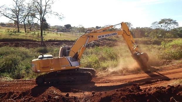 Jânio Darrot dá início a construção do parque Hugo Reis