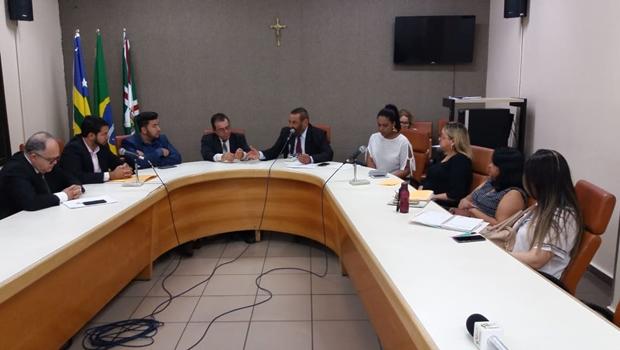 Câmara de Goiânia debate solução para Casa do Idoso da Vila Mutirão