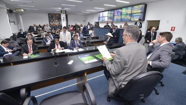 Projeto que autoriza venda de ações da Saneago é aprovado na Comissão Mista