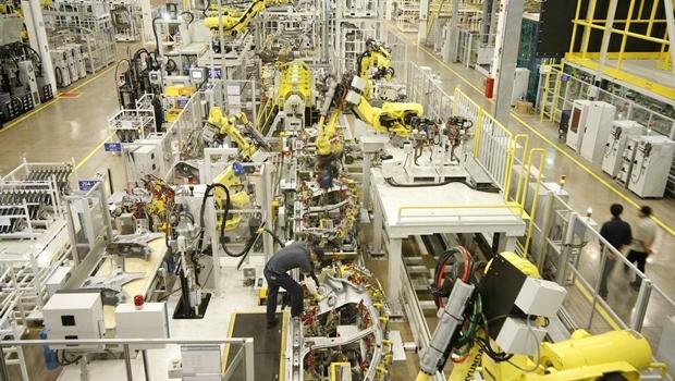 Produção industrial cai 1,6% no primeiro semestre do ano, aponta IBGE