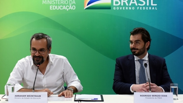 Nome de Alexandre Baldy ganha força com seu primo Rodrigo Dias à frente do FNDE