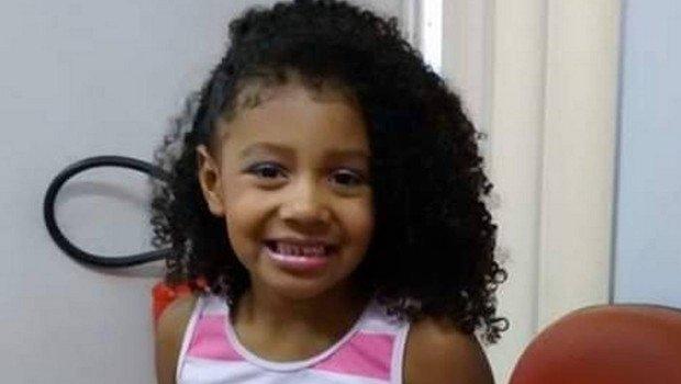 Menina de 8 anos, que teria sido baleada por PM, não resiste e morre nesta madrugada