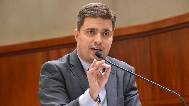 Deputado delegado acusa colega em caso de prédio do governo passado