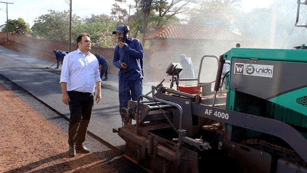 Prefeitura de anápolis entrega primeira etapa de projeto de asfaltamento