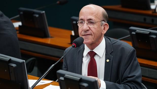 """""""Só sobreviverão os estados e municípios ricos"""", diz deputado sobre PEC do Pacto Federativo"""