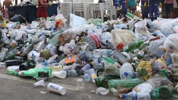 Câmara aprova projeto que obriga organizadores de eventos a realizarem limpeza das vias públicas