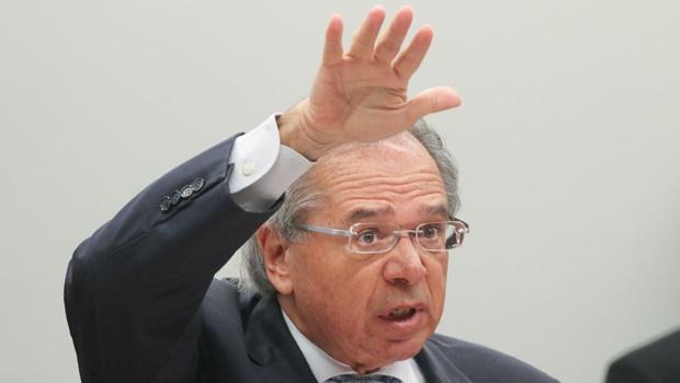 """Para aplicar """"novo"""" CPMF, Guedes propõe cortar parte da tributação sobre salários"""