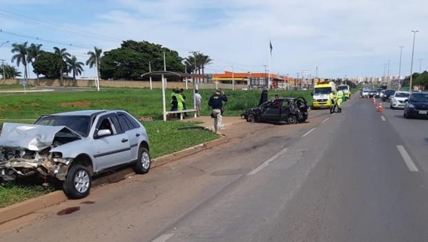 Motorista alcoolizado causa dois acidentes e tenta fugir a pé em Valparaíso de Goiás