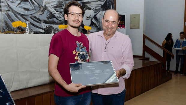 Repórter do Jornal Opção ganha prêmio de popularização da Ciência