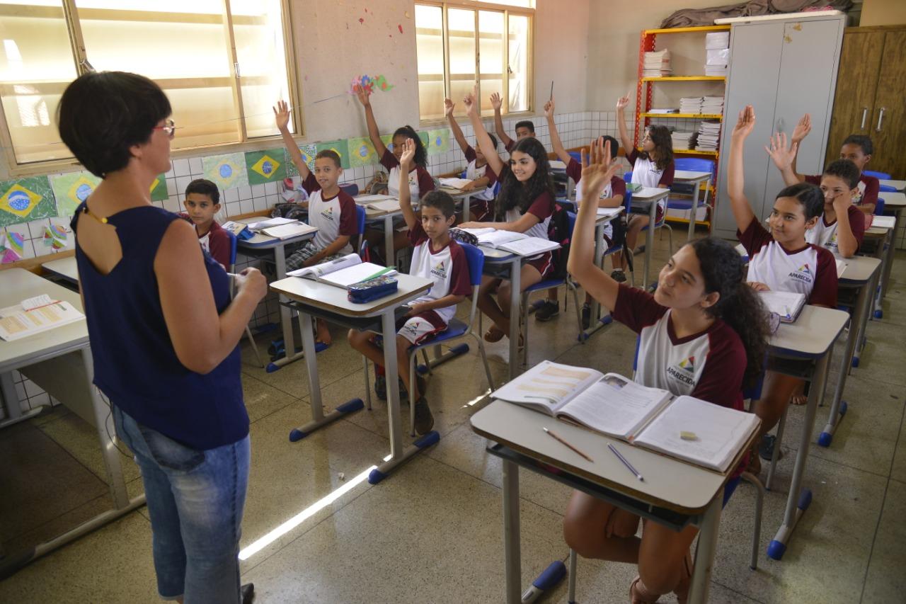 Em acordo entre Município e Sindicato, Aparecida repara professores em R$11,5