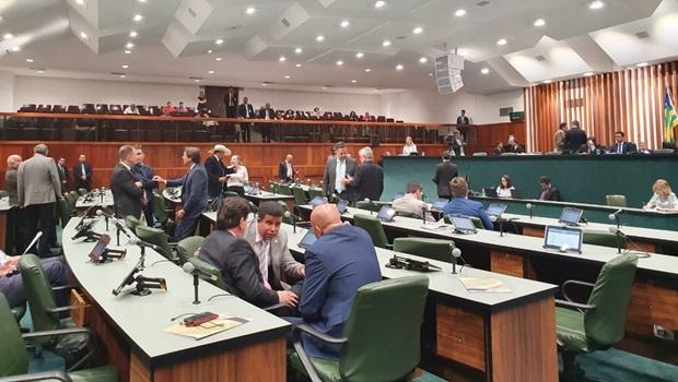 Deputados aprovam em segunda votação o Estatuto do Servidores de Goiás