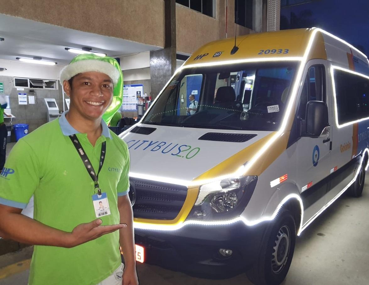 Motorista do CityBus 2.0 ganha decoração de Natal