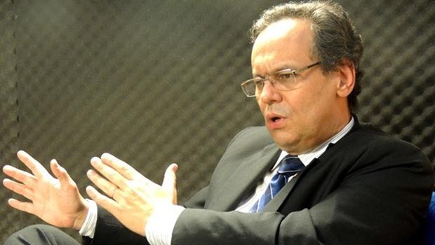 """""""É uma operação política, e não policial"""", diz advogado de José Eliton"""